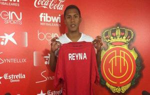 Bryan Reyna, en su presentación con el Mallorca.