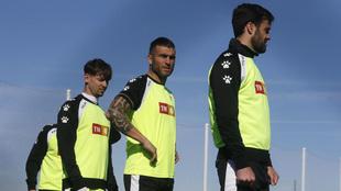 Luis Pérez, Armando y Túñez, en un ejercicio.