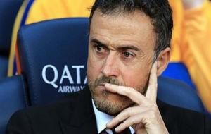 Luis Enrique en el banquillo de un partido del FC Barcelona