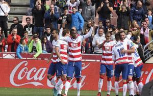 El Granada en una de sus victorias esta temporada en Los Cármenes.