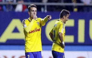 Salvi celebra un gol con el Cádiz