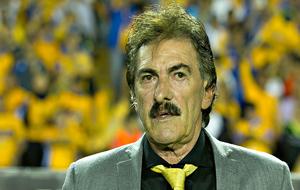 Ricardo La Volpe, en un partido del América.