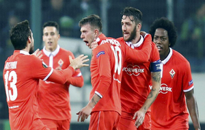 Los jugadores de la Fiore, celebrando el tanto de la victoria.