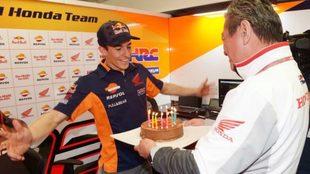M�rquez, con su tarta.