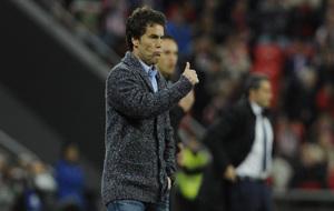 Rubi, técnico del Sporting, durante un partido con los rojiblancos...