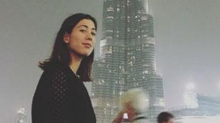 Garbiñe posa delante del Burj Khalifa de Dubai