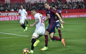 Jovetic participó en los dos goles del Sevilla