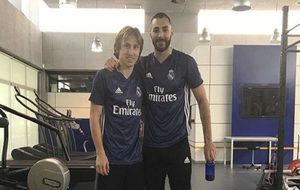Modric y Benzema, este domingo en Valdebebas