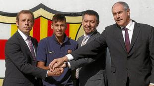 Bartomeu, Rosell, Neymar y Zubizarreta, el día de la presentación...