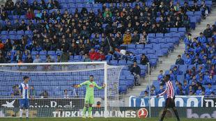Imagen de la grada en el partido contra el Athletic.