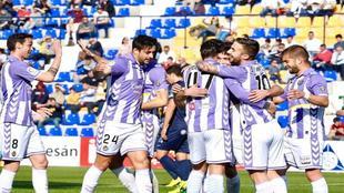 Los jugadores del Valladolid celebran un gol ante el UCAM la pasada...