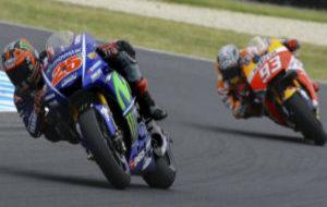 Viñales y Márquez, durante la tercera jornada de entrenamientos en...