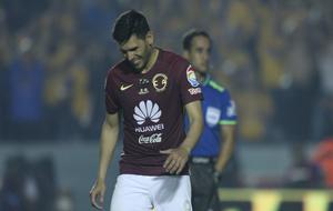 Silvio Romero, en un partido con el América.