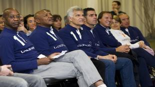 Hagler, segundo por la izquierda, en 2012 en La Fundación Laureus en...