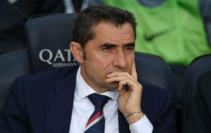 Valverde en el banquillo del Camp Nou.