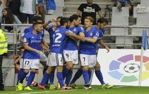 Los futbolistas del Oviedo celebran uno de los tantos ante el Getafe
