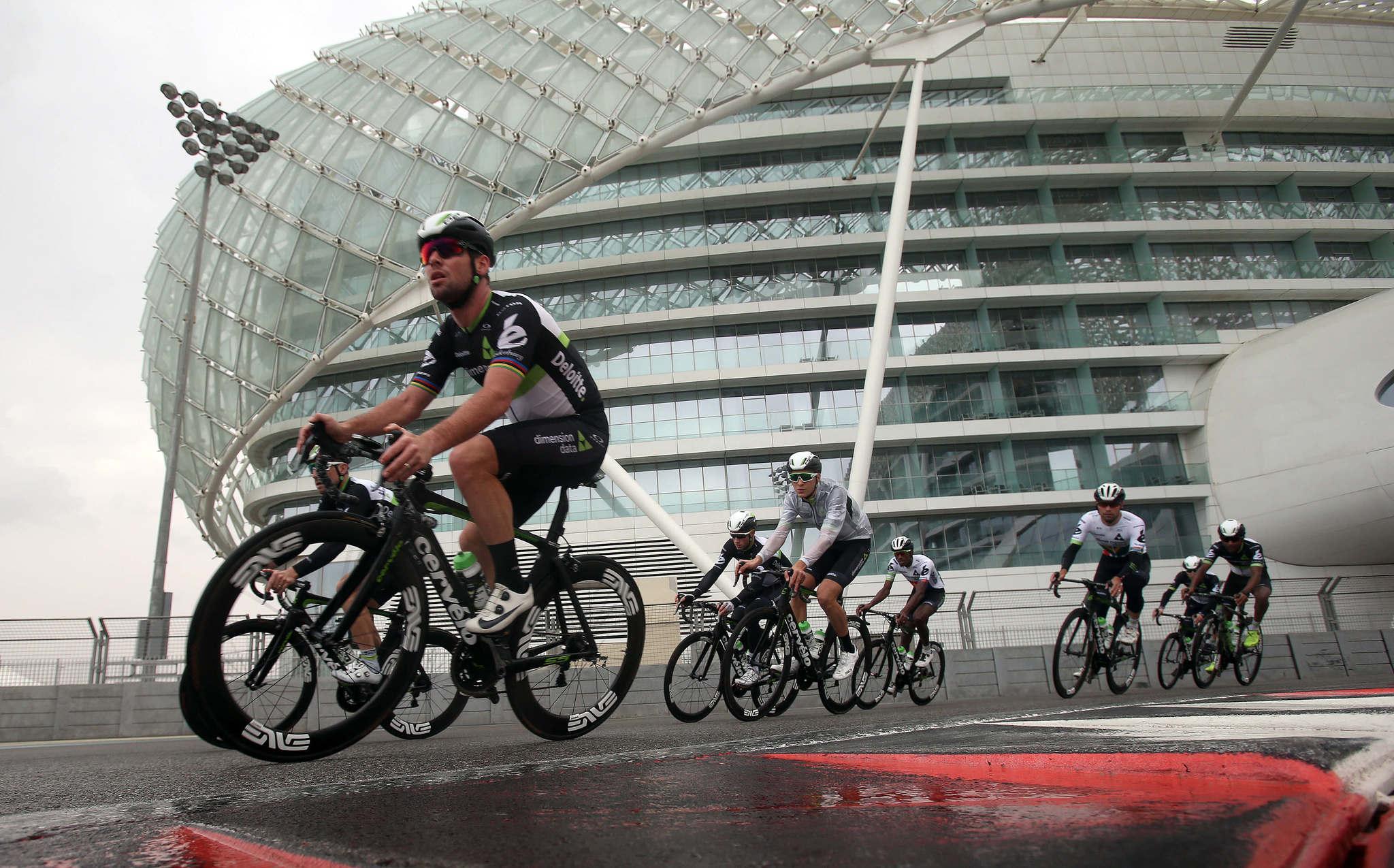 Circuito Yas Marina : Como bólidos en yas marina la tercera edición del abu dhabi tour