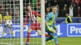 Fernando Torres tras anotar el 2-4 en el BayArena