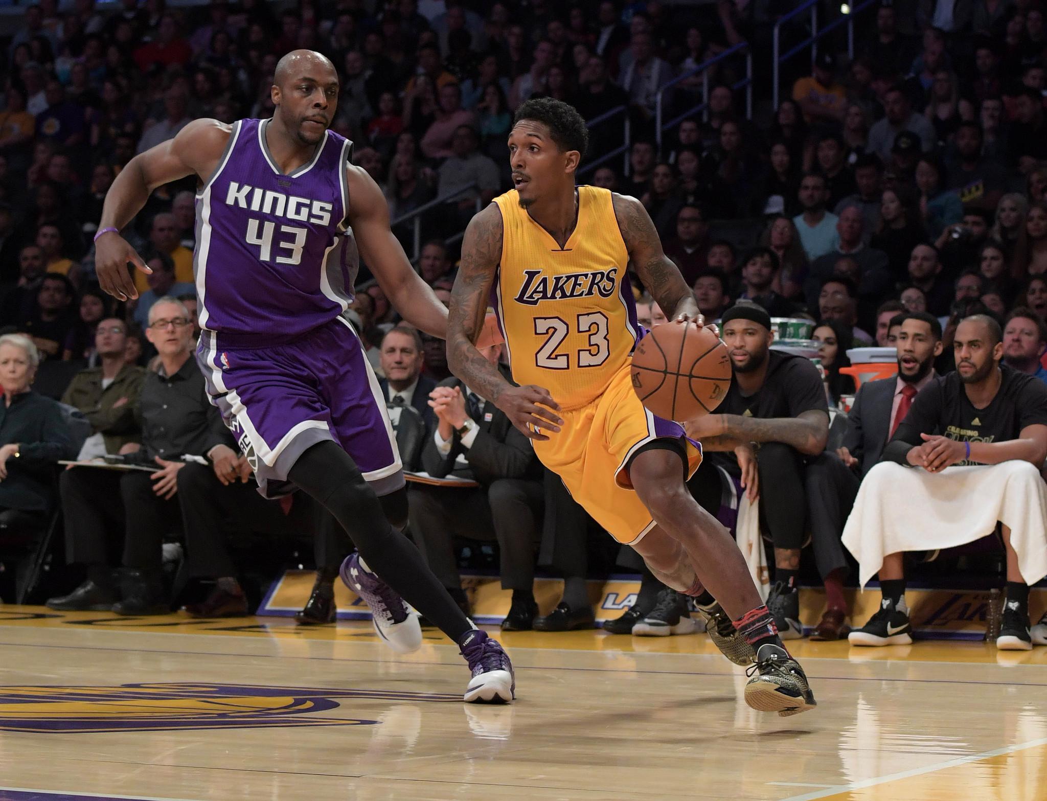 Lou Williams jugando con los Lakers