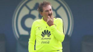 Ricardo La Volpe, técnico de Cruz Azul.