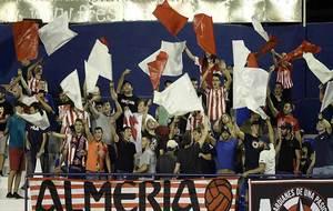 Aficionados del Almería esta temporada en La Condomina, en el primer...