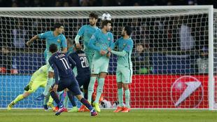 El gol de falta que marcó Ángel Di María en el partido de ida