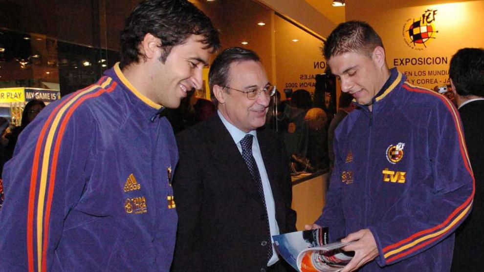 Raúl, Florentino y Joaquín, en el acto que recuerda Joaquín