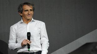 Alain Prost, en la presentacion del Renault RS17