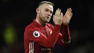 Rooney agradece el apoyo de la afición del Manchester United al ser...