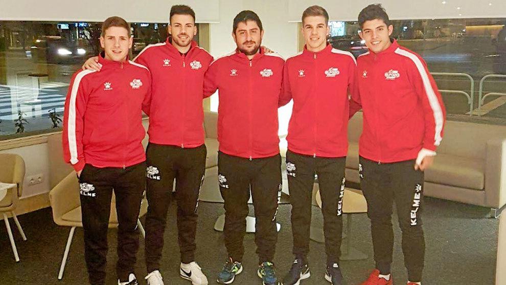 Josan González, con los los cuatro jugadores a los que dirigió el...