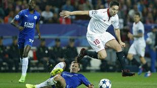 Nasri, en una acción del Sevilla-Leicester de Champions.