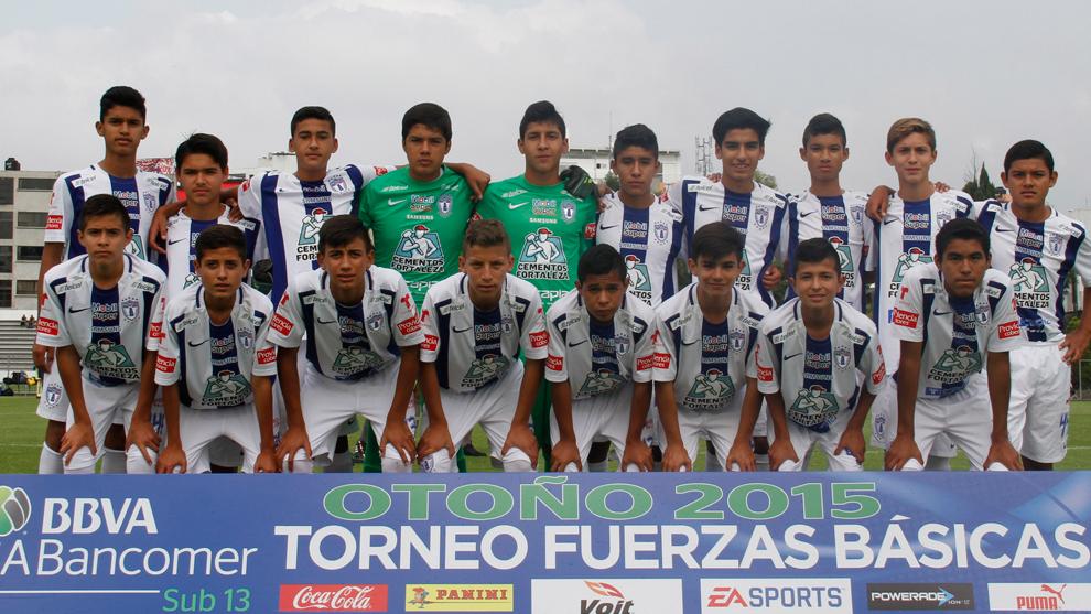 Un equipo sub 13 de Pachuca, participando en un torneo.