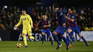 Sansone en el partido frente al Barcelona en El Madrigal.