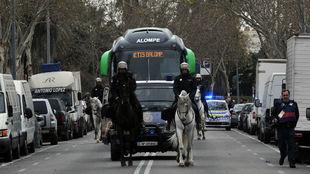 El autobús del Betis, camino del estadio verdiblanco