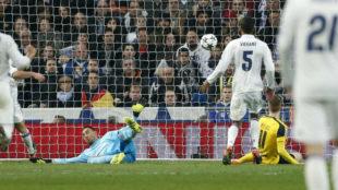 Keylor recibe un gol en Champions ante el Dortmund