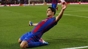 Luis Suárez celebra un gol en la semifinales frente al Atlético de...
