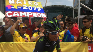 Nairo Quintana, aclamado por compatriotas esta semana en Abu Dabi.