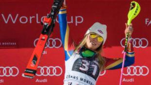 Mikaela Shiffrin celebra su victoria en la estación suiza de...