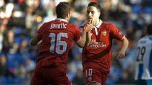 Jovetic y Nasri se felicitan en el partido ante el Espanyol.