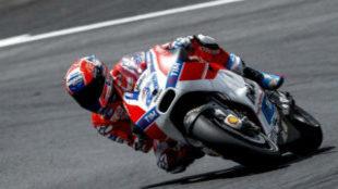 Casey Stoner, probando la Ducati