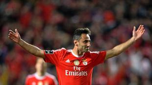 Jonas celebrando un gol.