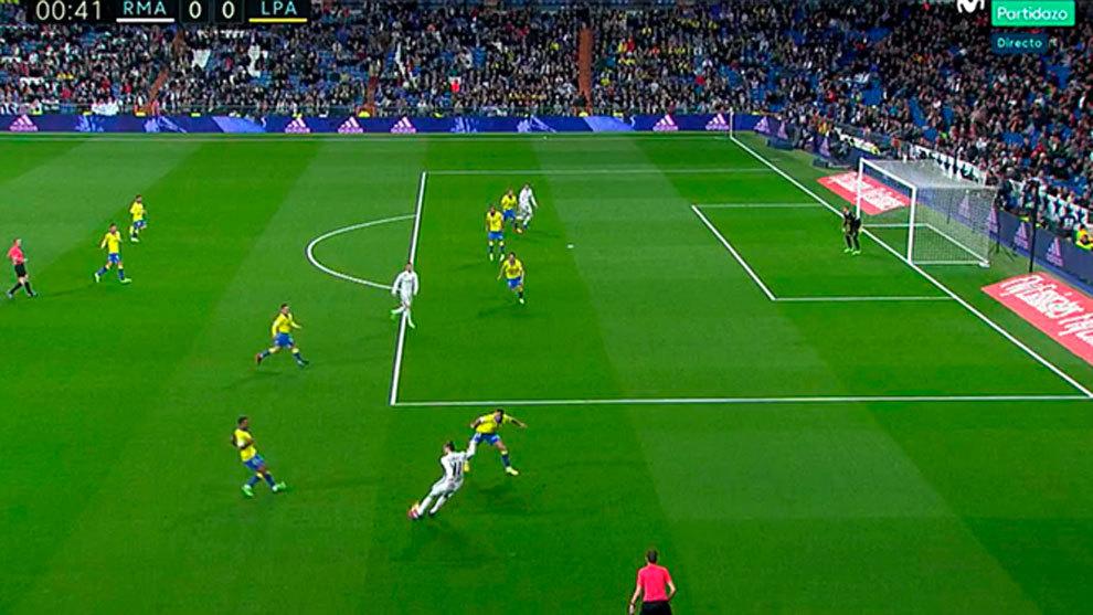 Las seis pol micas que marcaron el trepidante partido en for Fuera de juego real madrid