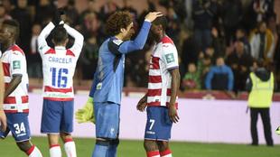 Ochoa felicita a Adri�n Ramos tras lograr un nuevo triunfo en Los...