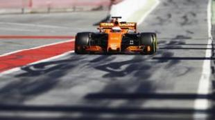 Alonso, durante la jornada de ayer en Montmel�.