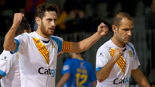 Rafa López celebra un gol junto a Dani Salgado esta temporada.