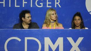 Se le vio a Hugo S�nchez en Acapulco acompa�ado de su esposa y una...