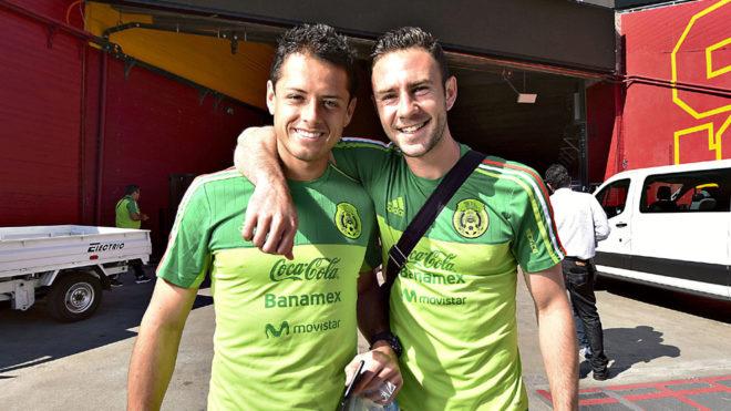 Miguel Layún revela que Chicharito desea regresar al Tri; desconoce si está veta de la Selección Mexicana