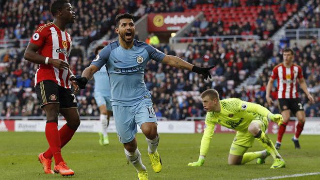 Agüero celebra su gol al Sunderland.