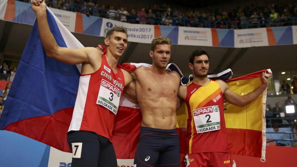 Adam Sebastian Helcelet, Kevin Mayer y Jorge Ureña celebran sus...