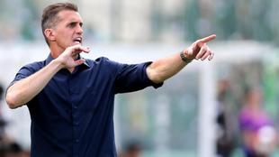 Vagner Mancini dando instrucciones durante un partido del Chapecoense.
